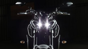 2017-Yamaha-MT-09-EU-Night-Fluo-Detail-001