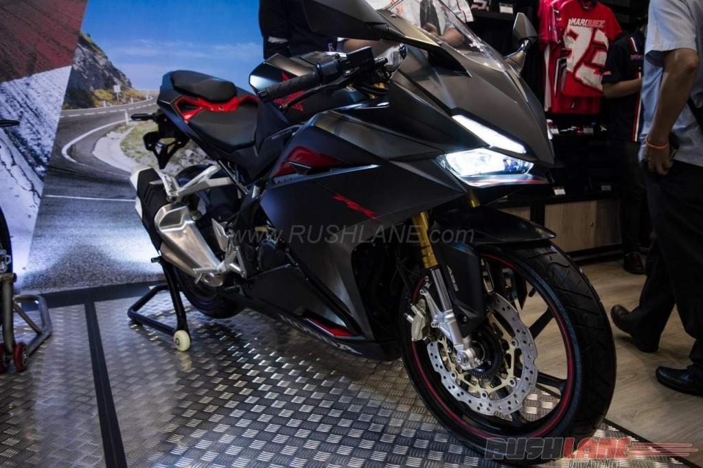 Honda-CBR250RR-2016-GIIAS-Indonesia-2