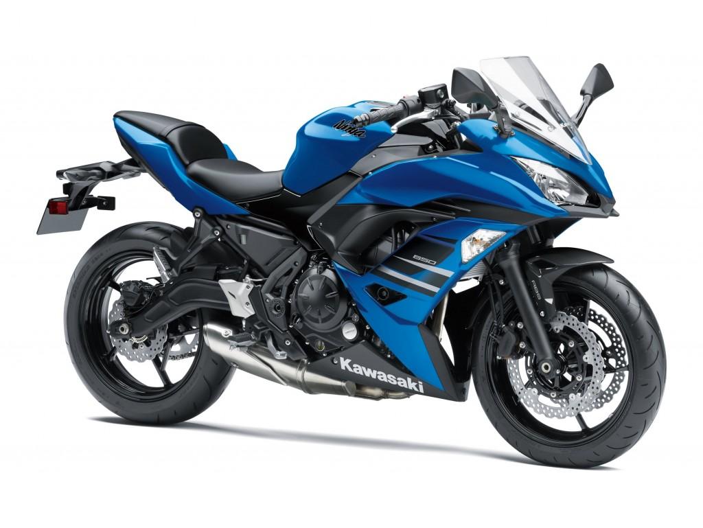 ninja-650-candy-plasma-blue-and-ebony-studio