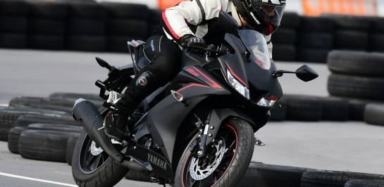 รีวิวแบบไม่มีกั๊ก All New Yamaha YZF-R15 2017 กับการทดสอบขับขี่จริงในสนาม