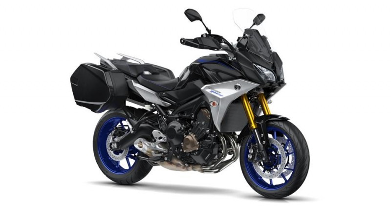 2018-Yamaha-MT09TRGT-EU-Midnight-Black-Studio-001