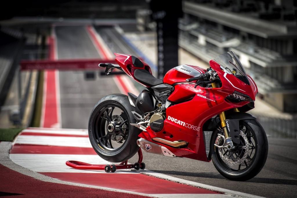 101-1199-Panigale-R-020-Ducati-Performance-1024x681