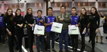 ทัพนักแข่งดีกรีแชมป์ประเทศไทยบุกบูธ Yamaha Riders' Community ในงาน Motor Expo 2017 แบบใกล้ชิด