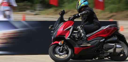 รีวิว All New Honda Forza 350 ทดสอบขับขี่จริง เจาะลึกทุกรายละเอียด!