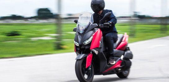 รีวิว Yamaha XMAX 300 บิ๊กสกู๊ตเตอร์ที่รั้งเบอร์ 1 ยอดขายกว่า 50,000 คันในไทย มากที่สุดในโลก!